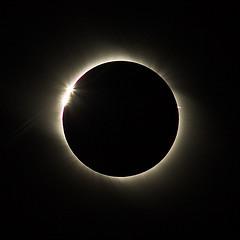 皆既日食の観察方法に注意 日食網膜症や最悪の場合失明する危険性も