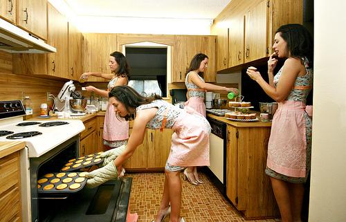 運動したいけど運動する時間がない女性に2つのアドバイス|72.5%の女性が「運動する時間が不足」|63.6%が運動によって健康が改善されたと回答