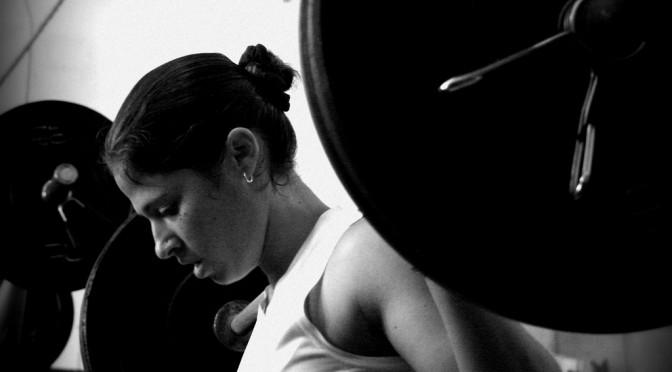 クロスフィット(Cross Fit)|日常動作に合わせたトレーニングを高強度な負荷をかけて行なうファンクショナルトレーニング