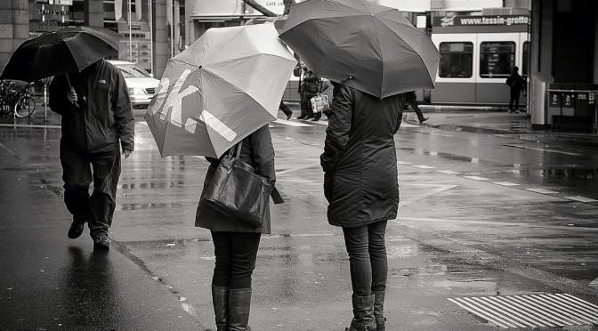 熱中症は真夏より梅雨明けが危険!?|梅雨明けこそ熱中症のリスクが高いので注意!