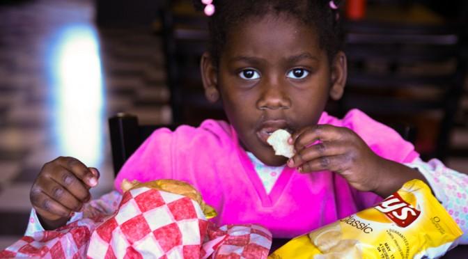 【ダイエット】空腹感と満腹感に影響を与えるのは、カロリーではなく、食事(ビタミン、ミネラル)の微量栄養成分!?