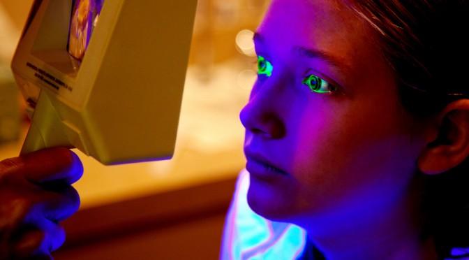 non-no(ノンノ)モデル佐藤えりさん、番組の検査で目の表層障害が見つかる!|ポイントは目薬の差し方・アイメイク・まつ毛エクステ・カラコン|#名医のTHE太鼓判