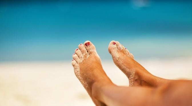 足の冷え改善のツボ:八風(はちふう)の位置・押し方|#たけしの家庭の医学