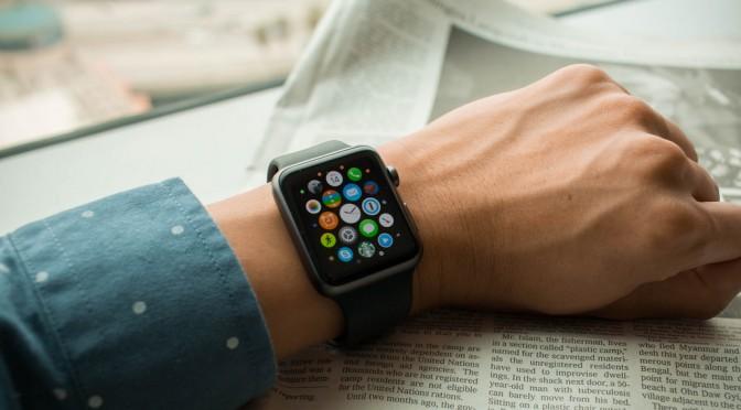 Apple Watchの心拍数を表示する機能によって、17歳の青年の命が救われた!?