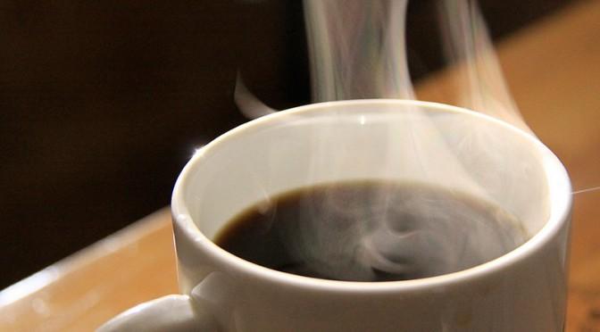 コーヒーを一日4杯以上飲むと大腸がんの再発リスクと死亡リスクが低くなる|米ハーバード大