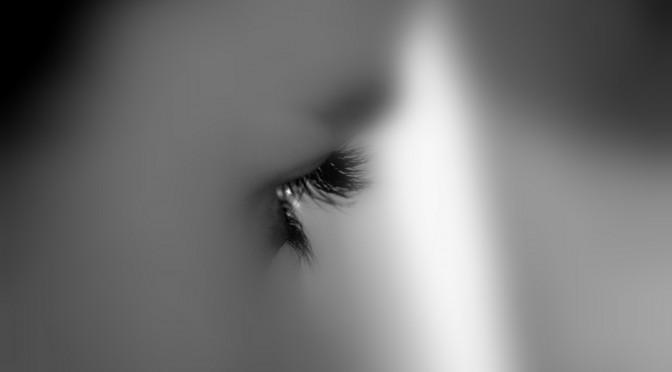 「目の奥が痛い!」どんな病気が原因になっているの?