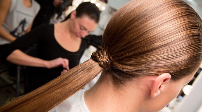 夏に抜け毛が増える原因とは?|夏の抜け毛予防法