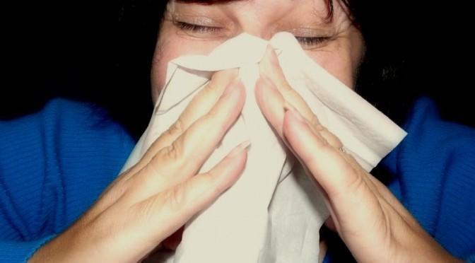 どうして花粉症になると鼻水が出るの?その原因|花粉症の症状
