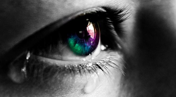 ドライアイの目薬(点眼薬)に新しい成分(人工涙液・ヒアルロン酸ナトリウム・レバミピド・ジクアホソルナトリウム)|ドライアイの治療