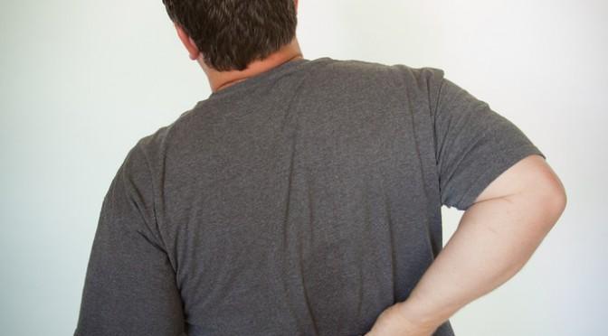 日本人の自覚症状の第一位は「腰痛」|人口の約20%(2800万人)が腰痛症状を持っている!?