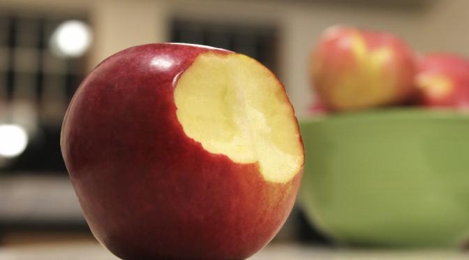 毎日りんごを食べると、悪玉コレステロールを40%も減らせる?