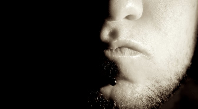 鼻うがい器を使った鼻うがいのやり方|花粉症対策