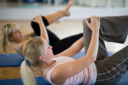 低体温改善エクササイズのやり方|上半身・下半身のストレッチ、お腹周り・太もも・お尻周り・肩甲骨|はなまるマーケット