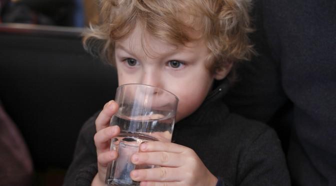 子どもの約4割が体温異常|予防には運動とこまめな水分補給