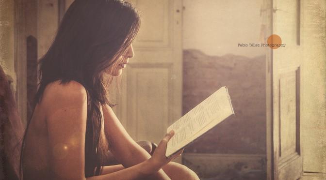 時にはスマホから離れて読書をしよう!