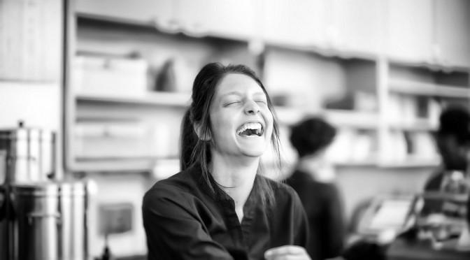 「笑顔の女性は男性から5倍モテる」と心理学で証明される!