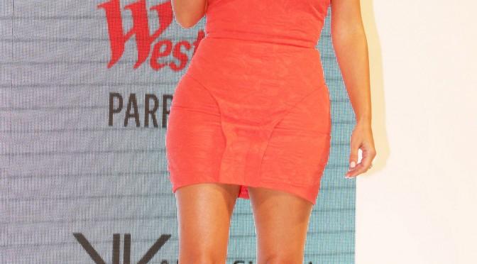 キム・カーダシアン(Kim Kardashian)は朝からワークアウトをしてボディラインをキープしている