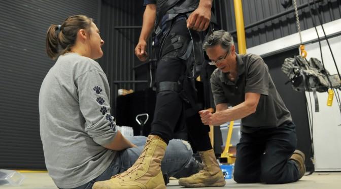 人間の関節や筋肉を模した外骨格スーツ「Soft Exosuit」を開発 DARPAが290万ドルを支援 ハーバード大