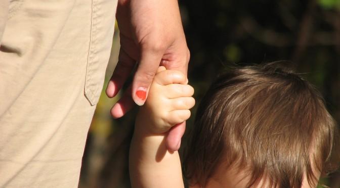 コロンビアで10歳女児が出産!?幼児による出産の危険性とは?