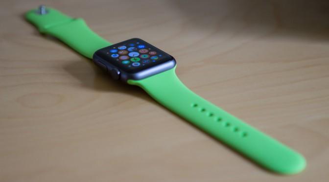#Apple、Apple Watch に不整脈などを探知する心電図モニター機能を開発中|#Bloomberg