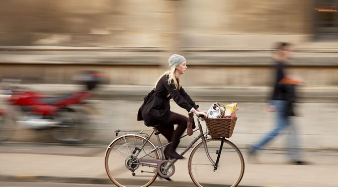 自動車を利用せずに徒歩や自転車で移動すると肥満の予防になる