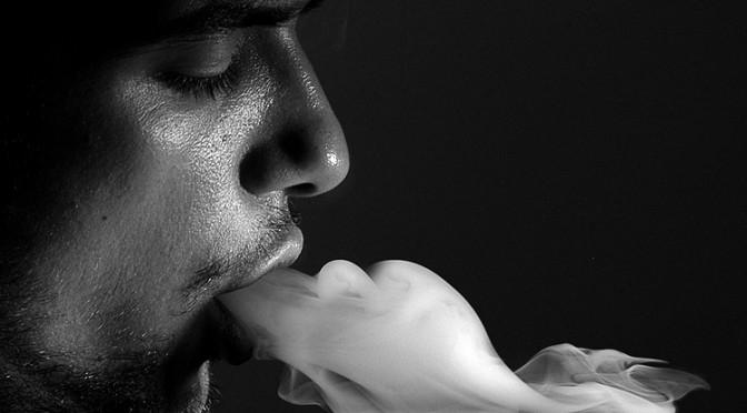 怖いCOPD(慢性閉塞性肺疾患) 「肺年齢」知り早期発見