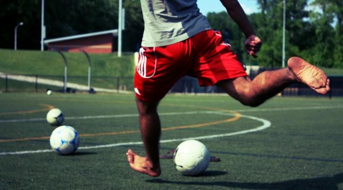 肉離れのような筋肉系の怪我はしっかりと休むことが必要で、なおかつ筋力が戻らなければ完治とはいえない|内田篤人選手 サッカー