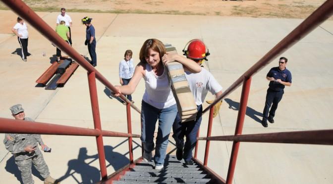 階段を一段飛ばしで昇るよりも、一段ずつ登ったほうが消費カロリーが多い?【論文・エビデンス】