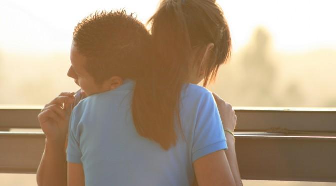 女性がパートナーにしてほしい愛情表現第一位は「ハグ・抱きしめる」