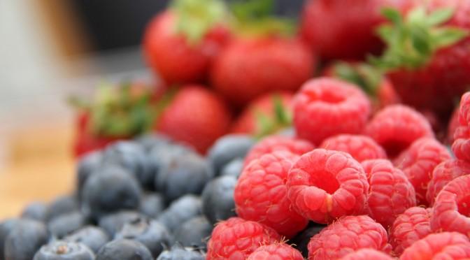 ブルーベリーやイチゴを食べると心臓発作を起こすリスクが1/3になる!?