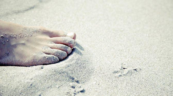 「足のしびれ」は病気のサイン?足がしびれる原因とは?