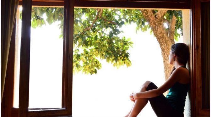 窓際に座る女性はご注意、シミ・シワの数が2倍以上に|台湾皮膚学会