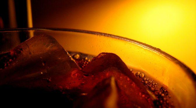 ダイエット清涼飲料の飲みすぎの人は、胴囲の増加が飲まない人の6倍に|テキサス大学サンアントニオ健康科学センター
