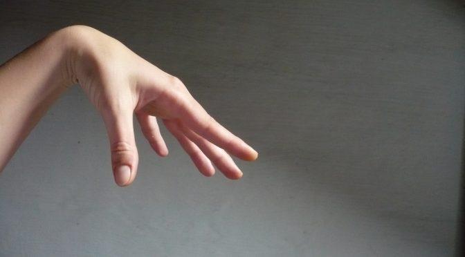 手のしびれ(手が痺れる)