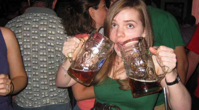 30代を中心とする若い女性のアルコール依存症患者が増加傾向、厚労省研究班が報告
