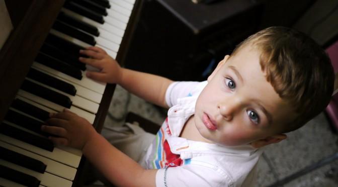 音楽教育を受けることでリスニング能力がアップし英語を覚えやすくなる!?