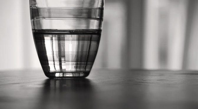 リン・チーリン(林志玲)さんの美の秘訣は、水を一日5リットル飲むこと