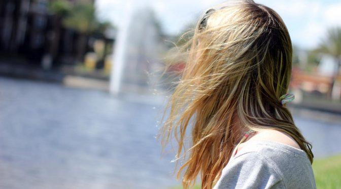 薄毛を防ぐ方法・正しい髪の洗い方|女性の8割以上の人が「薄毛」や「頭皮の痛み」に悩んでいる(永本玲英子)