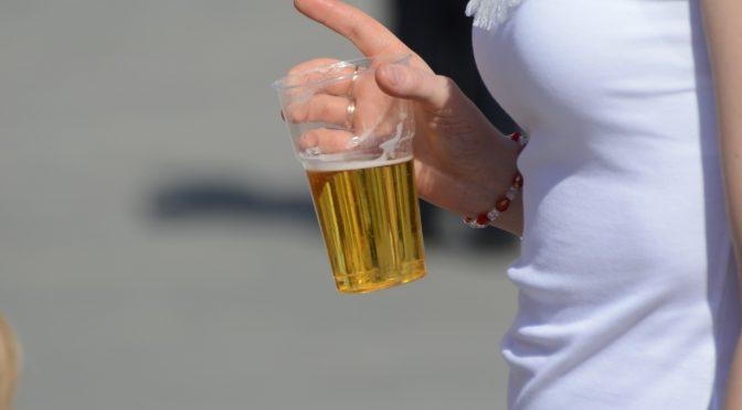 ロシアで事実上、清涼飲料水だったビールをアルコール規制へ