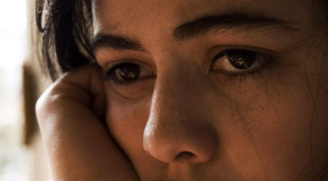 なぜ緑内障(閉塞隅角緑内障)になると目が痛くなるのか?