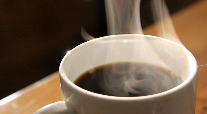 コーヒー摂取量が多いと、肝がん発生リスクは低くなる|厚労省研究班