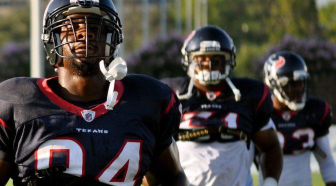 NFL(アメフト)では「Concussion(脳震とう)」問題が起きている!?|脳震盪によって起こる脳損傷・脳しんとう対策とは