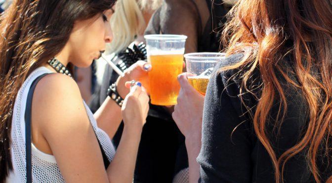 <乳がん>毎日ビール大瓶を1本以上飲むような飲酒量の多い女性はリスクが高い!?|厚労省調査