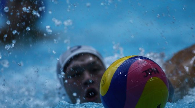 水球・豪州選手、試合後に「目が痛い」と目の異常を訴える!緑に変色したプールが原因?