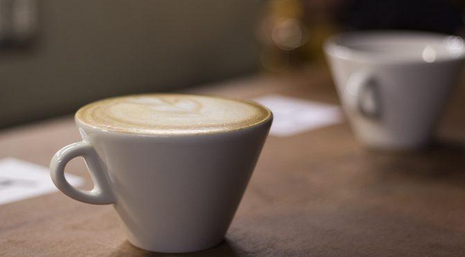 【子宮体がん】コーヒーを1日3杯以上飲む女性はリスクが6割低くなる!|厚労省研究班