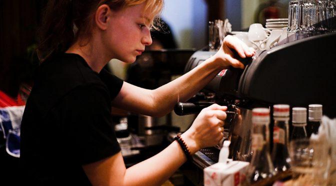 ブラックコーヒーを苦いと感じる子供と苦くない大人の差は「加齢」と「亜鉛不足」|#この差って何ですか