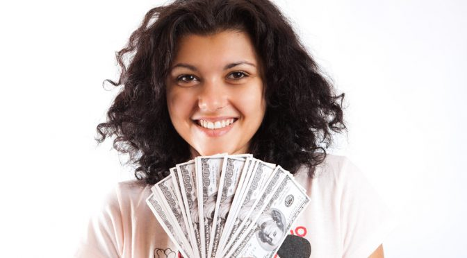 幸福感はお金で買えない?年収7.5万ドルで頭打ち