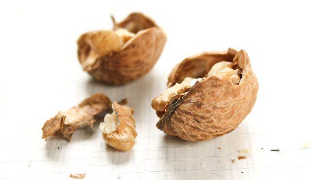 クルミ(オメガ3脂肪酸)を食べると、LDLコレステロール・総コレステロールが低下し、HDLコレステロールが増加|おもいっきりDON!(日テレ)