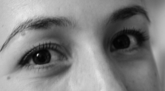 なぜ目を温めると冷え性対策になるのか?|目を温めることで副交感神経をゆるめて、血の巡りが良くなり、手や腕、おなかなどが温まる