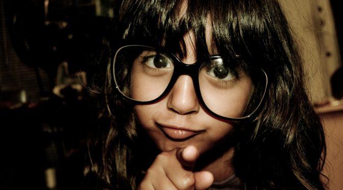 子供の視力、4割の親が「知らない」|子供の視力を矯正する必要性を感じている親の割合は高い